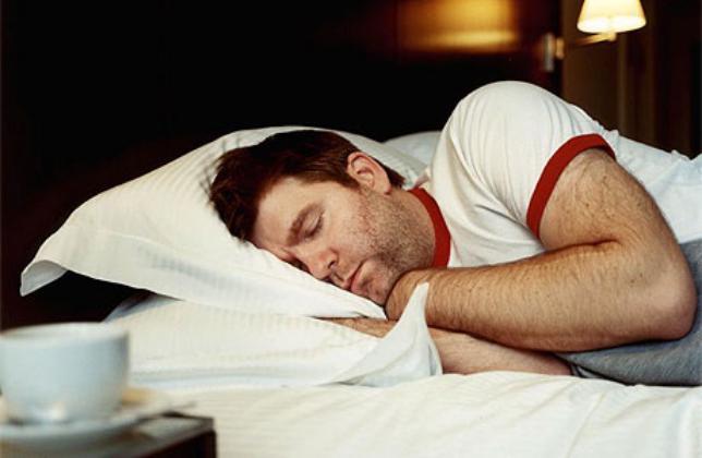 ساعات النوم غير المتناسقة تضاعف خطر السمنة والقلب بمقدار الثلث
