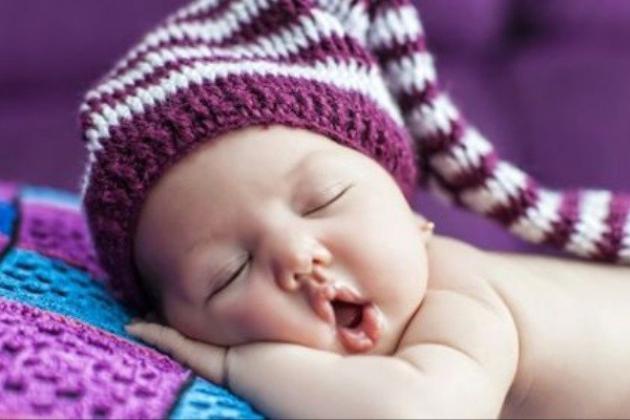 خوابیدن روی پهلوی چپ مفید تر است یا پهلوی راست؟