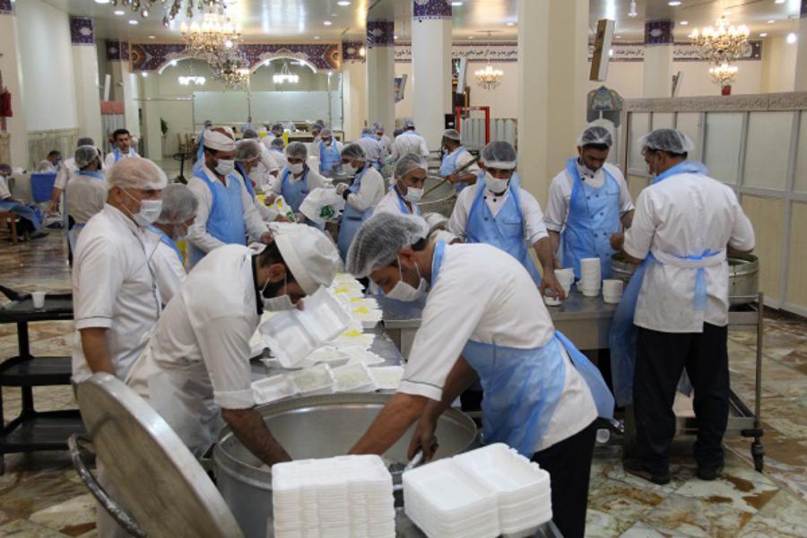 ۲۰۰ هزار پُرس غذای گرم در بین مددجویان کمیته امداد قم توزیع خواهد شد