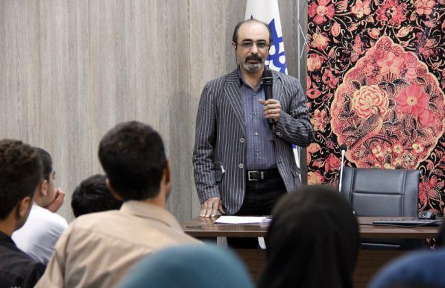 درکانون نمایشنامهنویسان حوزه هنری به دنبال تربیت نویسندگان دغدغهمندهستیم