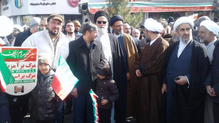 حضور مردم بصیر و همیشه در صحنه استان قم در راه پیمایی یوم الله۲۲بهمن