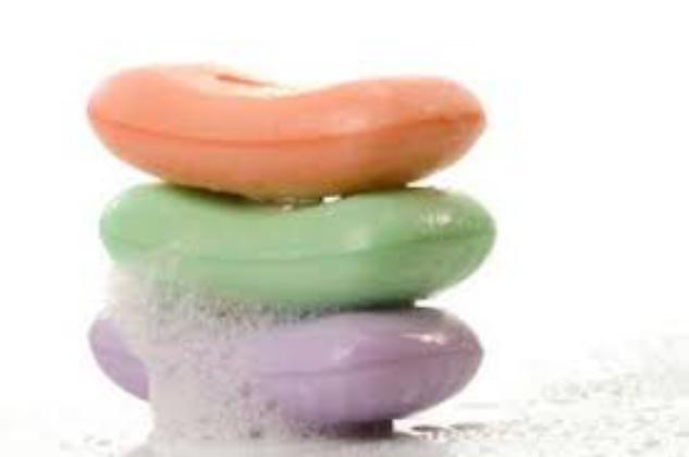 أي صابون أفضل لبشرة الانسان، السائل أم الصلب؟