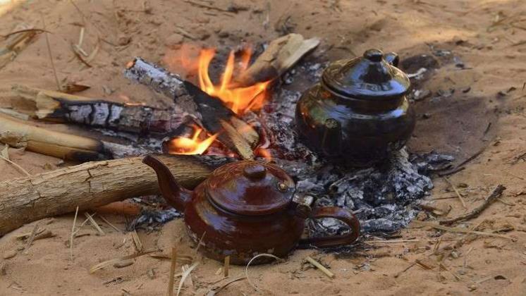 """الأطباء یوصون : الشاي """"الساخن"""" مهم لسلامه العيون"""