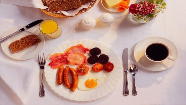 """خبراء التغذية يكشفون سر """"ديمومة الشباب"""" لدی الایطالیین"""