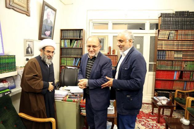 دیدارمسئولین ستادبرگزاری یادواره ۶هزارشهید استان قم باآیت الله فاضل لنکرانی