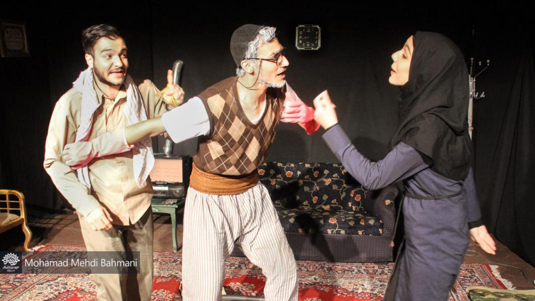 نمایش «مثل سوسوی فانوس آویخته» در قم به روی صحنه میرود
